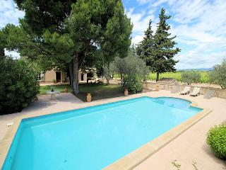 Violes France Vacation Rentals - Villa