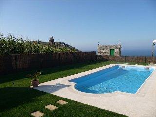 Ponteceso Spain Vacation Rentals - Chalet