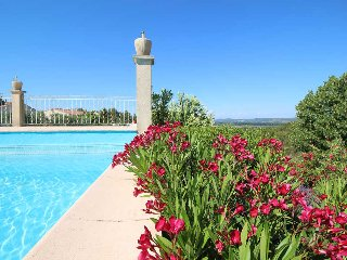 Beaucaire France Vacation Rentals - Apartment