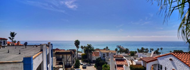 Jan Special $175/night! Pier Bowl Condo With Sweeping Ocean Views, One Block to Beach and Pier.