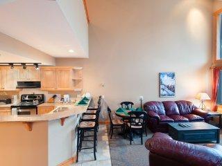 Open-concept 2 bedroom + loft condo