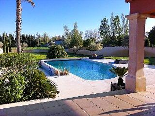 Althen-des-Paluds France Vacation Rentals - Villa