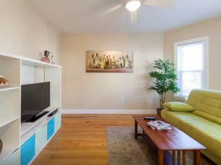 Medford Massachusetts Vacation Rentals - Apartment
