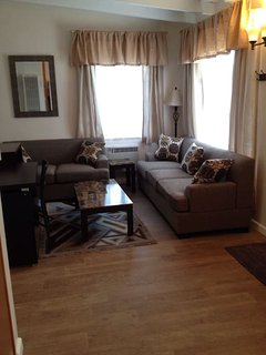 Furnished 1-Bedroom Apartment at Western Ave & Lake St Glendale