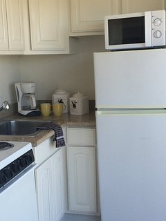 Furnished Studio Apartment at Washington Blvd & Clune Ave Los Angeles