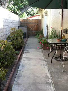 Furnished 1-Bedroom Home at W Magnolia Blvd & Fulton Ave Los Angeles