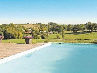 Montussan France Vacation Rentals - Villa
