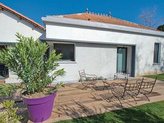 Charleval France Vacation Rentals - Villa