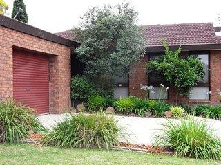 Lavington Australia Vacation Rentals - Apartment