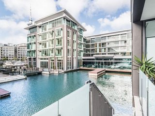 Quiet 2 bedroom apartment with private waterway views adjacent to the Sofitel 5 Star Hotel