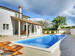 Peruski Croatia Vacation Rentals - Villa