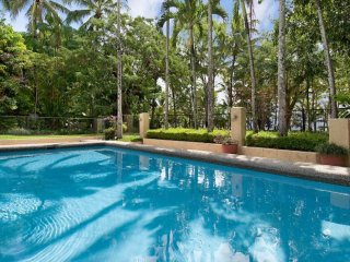 Kewarra Beach Australia Vacation Rentals - Home