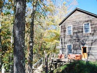 Lansing North Carolina Vacation Rentals - Cabin