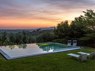 Vitolini Italy Vacation Rentals - Home
