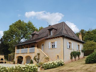 Le Lardin-Saint-Lazare France Vacation Rentals - Villa