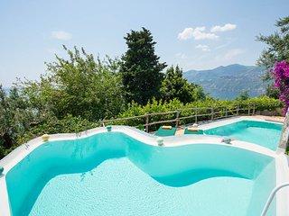 Erchie Italy Vacation Rentals - Villa