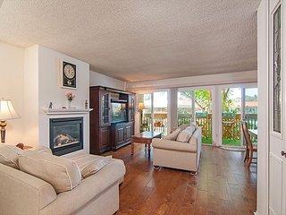 Living Room w/Beautiful New Wood Flooring
