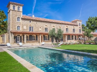 Noves France Vacation Rentals - Villa