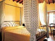 Restored Farmhouse Surrounded by Vineyards and Olive Groves, Centrally Located i