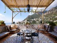 Completely renovated and restored luxury apartment in upper Positano. YPI CER