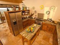 Elegant 6BR home- on seaside hill, tropical garden, views, infiniti pool, etc