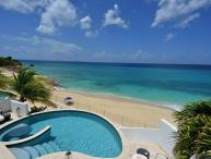 Beachfront, poolside hideaway. C MUM