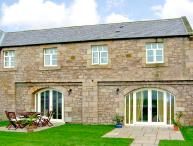 NO 5 MURTON WHITE HOUSE, pet friendly, character holiday cottage, with a garden in Berwick-Upon-Tweed, Ref 2542