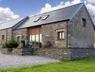 MILLBROOK BARN, family friendly, luxury holiday cottage, with a garden in Llanddewi Skirrid, Ref 3753