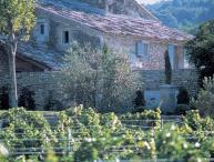Renovated 18th century Bastide with the charm of a Provencal farm, set in the Luberon natural Park amongst the scenic southern France countryside. PRO PRO