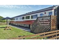 CONVERTED RAILWAY CARRIAGE, family friendly, character holiday cottage, with a garden in Hawsker, Ref 3877