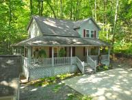 CREEK 'N WOODS II-CREEK - LOTS OF DECKS - HOT TUB - SECLUDE & 5 STAR REVIEWS !!!