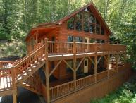 CREEK 'N WOODS IV- SPECTACULAR VIEWS-HOT TUB-DECKS-SECLUDED-GREAT REVIEWS !!!