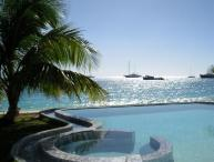 UNFORGETTABLE... Beachfront contemporary condo on fabulous beach!