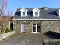 CARRAIG BRIDE, pet friendly, with a garden in Kilkee, County Clare, Ref 4619