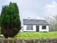 THE HARE'S LEAP, pet friendly, country holiday cottage, with a garden in Westport, County Mayo, Ref 4661