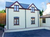 ASH COTTAGE, family friendly, with an en-suite, garden in Llanishen, Ref 10298