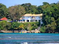 Golden Clouds at Oracabessa, Jamaica - Beachfront, Pool, Fully Staffed
