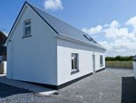 MOYASTA HOUSE next to coast, multi-fuel stove, peaceful location in Kilkee, County Clare Ref 16779