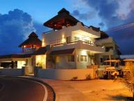 Spacious Oceanfront Home, 5 BR-El Castillo Maya