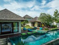 Villa Nelayan -Luxurious 4 BR Villa Near EchoBeach