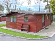 VIOLET LODGE, detached lodge in grounds of hall, romantic retreat in Saltburn