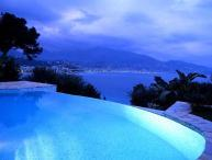 Ocean views at Roquebrune Cap Martin. AZR 264