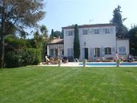 Lovely 6 Bedroom Villa, Steps from the Sea at Cap d'Antibes