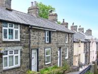 ERFYL, stone-built cottage, woodburner, walking distance to shops and pubs, in Harlech, Ref. 26771