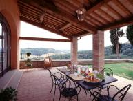 Pleasant Tuscan Apartment on Large Hillside Estate - Il Cortile del Borgo 14