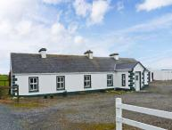 GREEN FORT COTTAGE, a traditonal detached cottage, multi-fuel stove, private access to sandy beach, near Dromore West and Enniscrone, Ref 28296