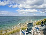 KISSG - Beach Front Cottage, Spectacular Views, Extroardinary Sunsets,  Large Deck and Porch