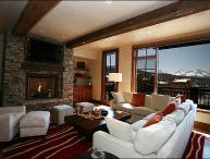 Elegant Condo with Amazing Views - Stone & Timber Finishes