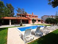Villa with pool for rent near Pula, Istria