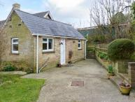STONEWIND FARM, pet-friendly single-storey cottage in Totland Ref 23533